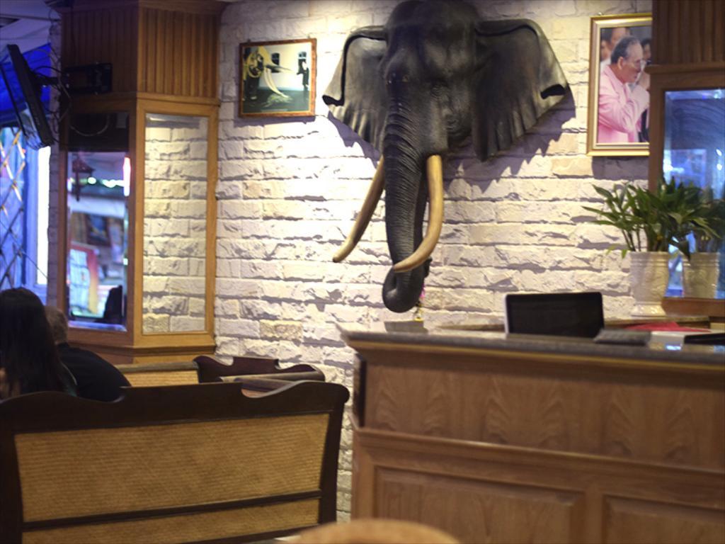 ホテルのロビー画像